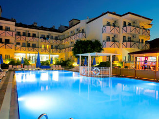 Prince Apart Otel Havuz ve Bahçe